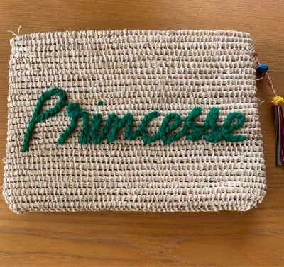 """Pochette brodée """"princesse"""""""